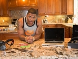 CNET's Hooked Up – Hang out with Nelly and the tech gadgets he loves