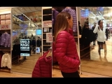 Futuristic Mirror Limits Pains of Trying on Clothes