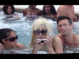 Amanda Bynes Calls Sarah Hyland Ugly, Takes Weird Hot Tub Photos!